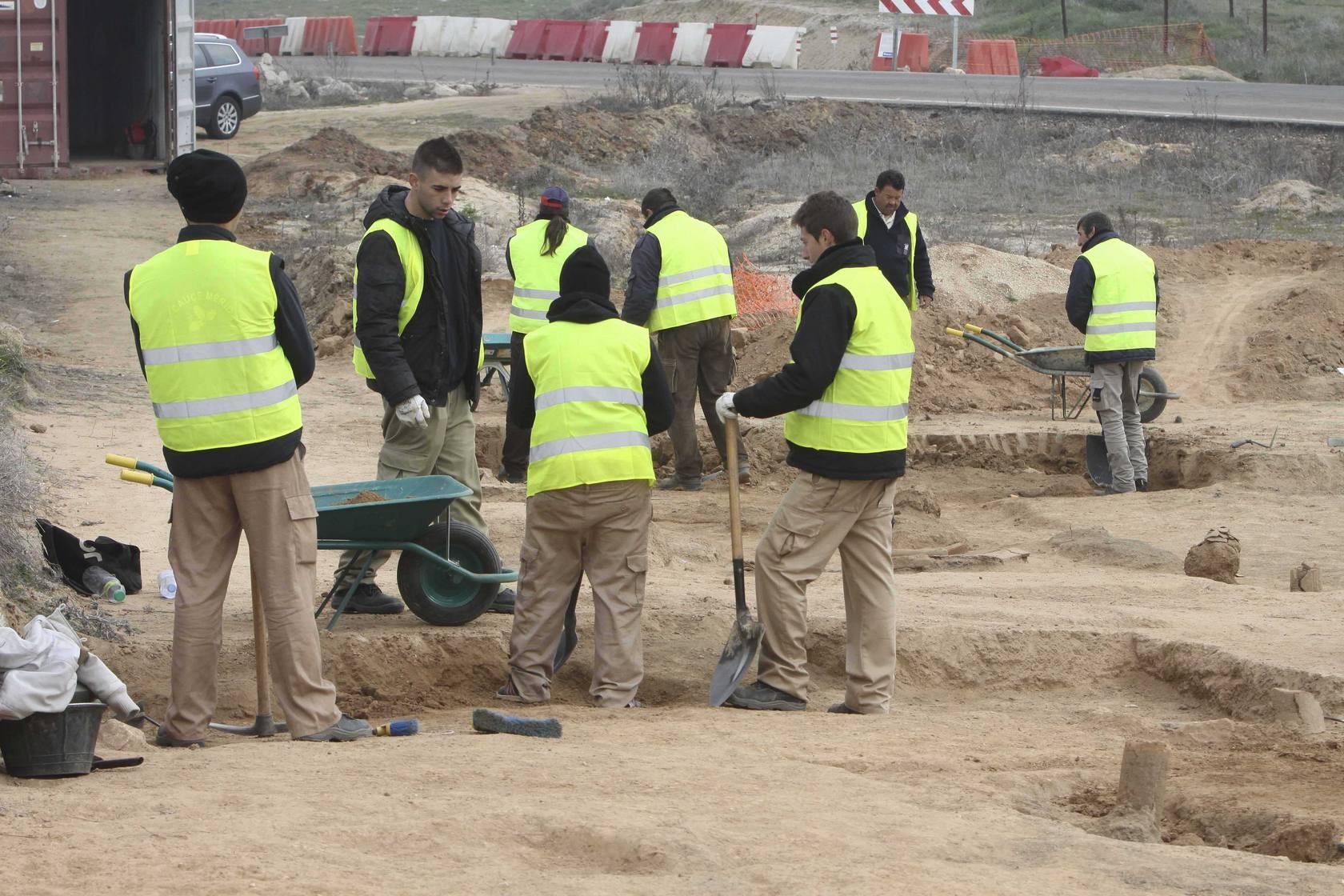 El Consorcio excava el mayor cementerio rural romano de Mérida