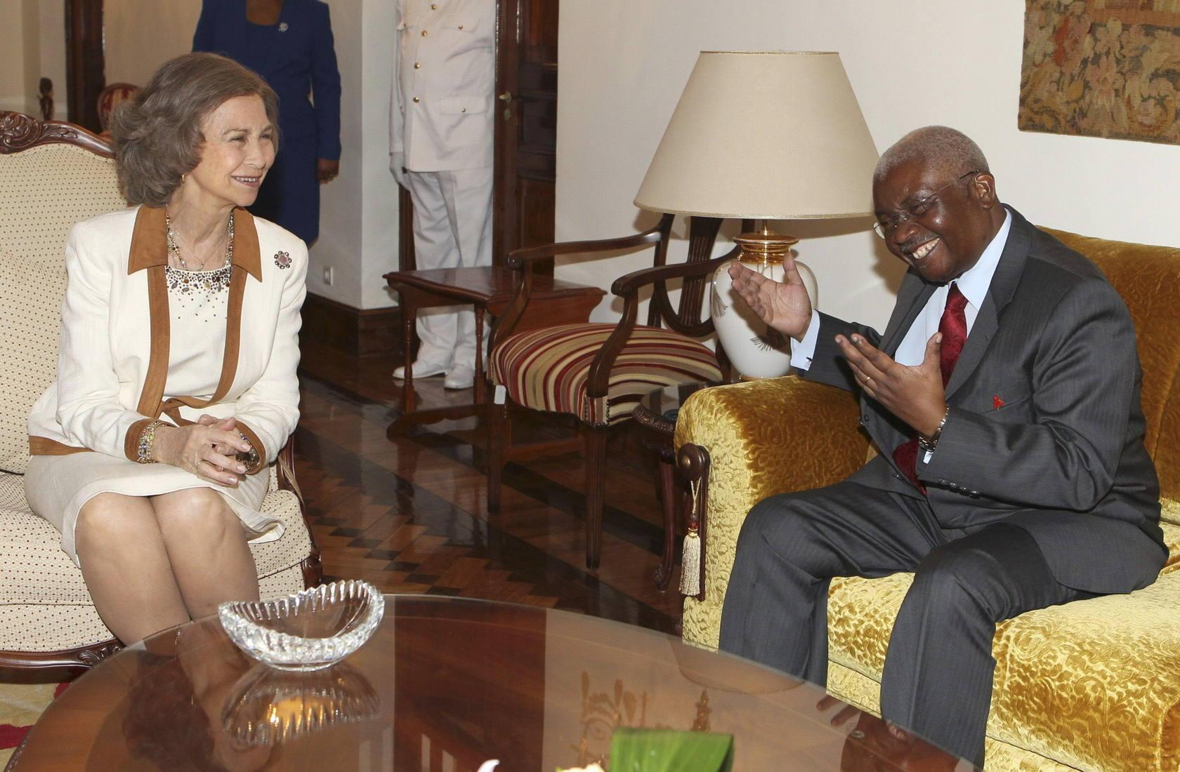 Continúa la visita de la Reina Sofía a Mozambique