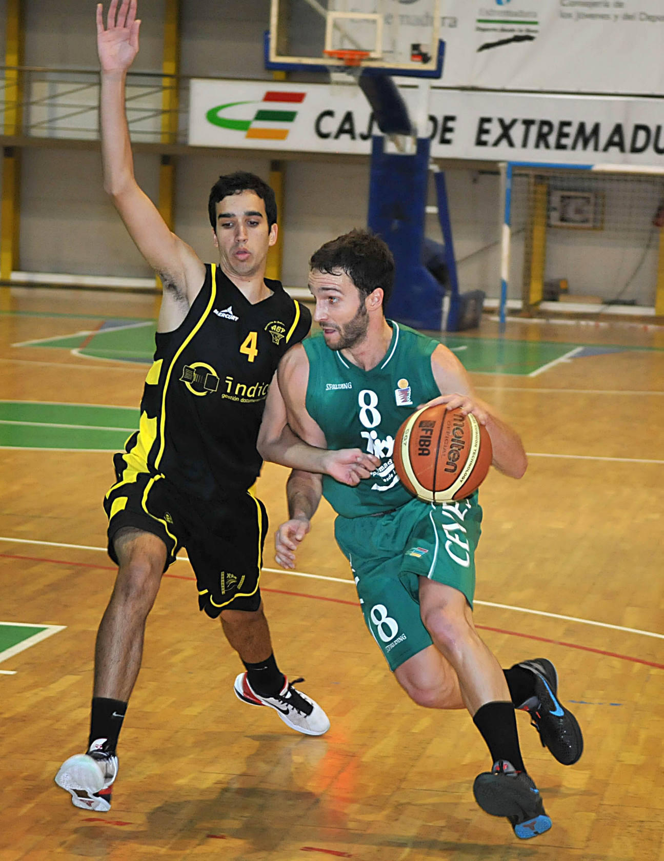 Plasencia se lleva el derbi de LEB Plata ante la ABP Badajoz