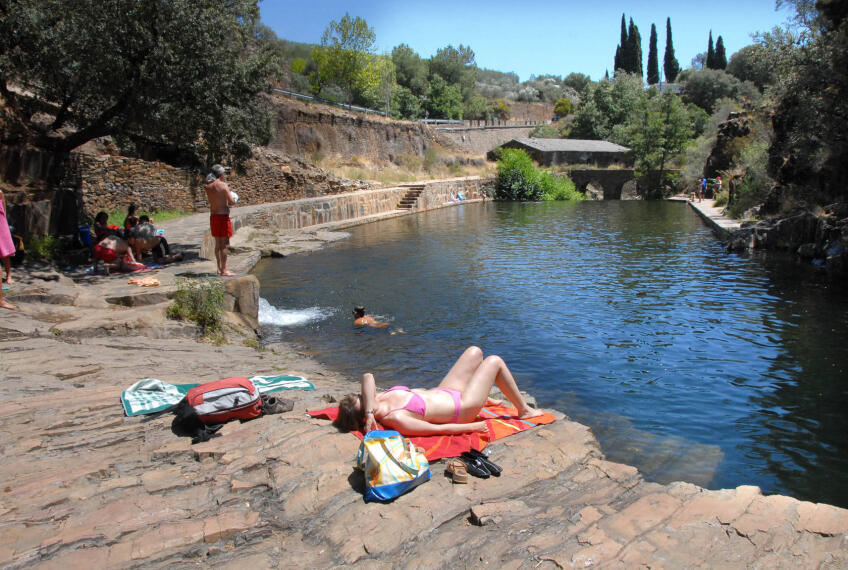 60 enclaves naturales para refrescarse en el verano de for Piscinas naturales valladolid