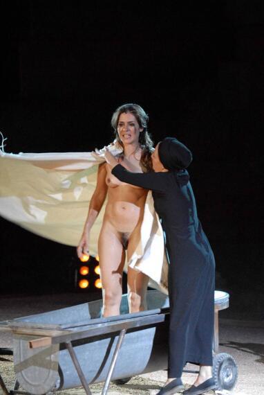 Maria almudever desnuda en cien maneras de acabar con - 3 part 8
