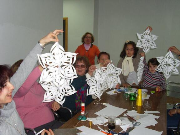 Adornos navide os con material reciclado - Adornos navidad reciclados para ninos ...