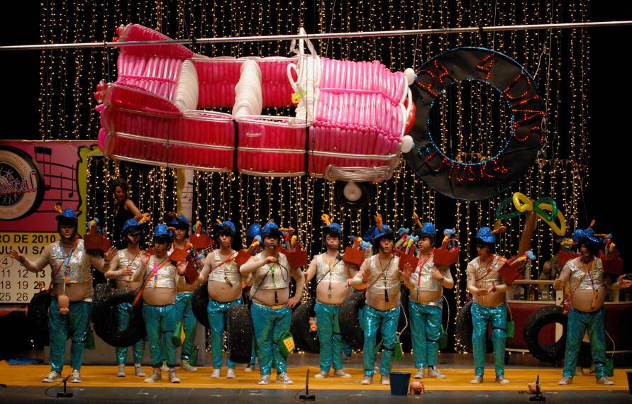 Arranca el Carnaval en Badajoz 1265336862751