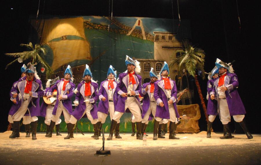 Comienza el concurso de Murgas en Badajoz / Quieres verlo..... 1265064284415