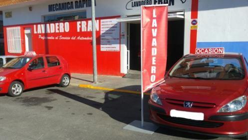 Lavado interior y exterior de coche con opción PRE-itv