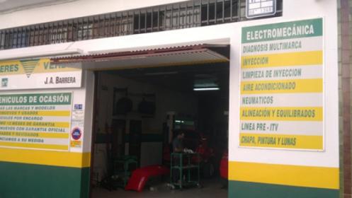 Revisión y cambio de aceite de tu coche en Badajoz