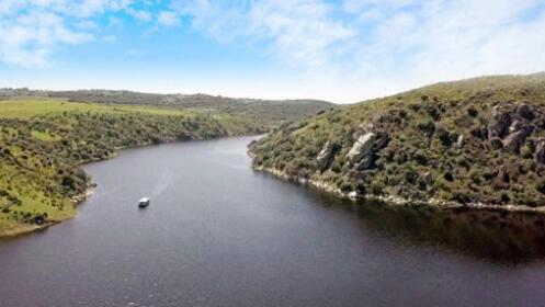 Disfruta de un Crucero por Aguas del Río Tajo.