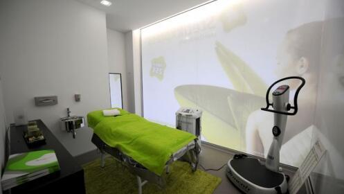 Cavitación o radiofrecuencia + presoterapia + masaje reductor: 9 sesiones