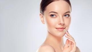 Minimiza las arrugas con el tratamiento facial de moda