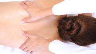Masaje relajante de cuerpo completo.