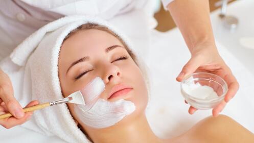 Limpieza facial, con peeling y mascarilla