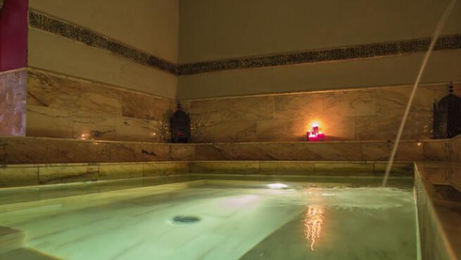 Relájate con un exótico Baño Arabe
